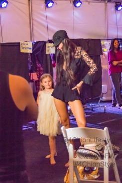 Katianna Upton Showing Net Chittangkura how to Catwalk