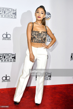 ariana-grande-red-carpet-amas-4chion-lifestyleariana-grande-red-carpet-amas-4chion-lifestyle-2