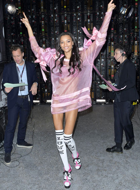 Backstage Victoria's Secret Paris Runway