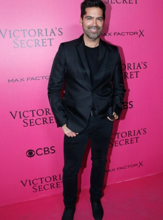 brian-attwood-victorias-secret-red-carpet-4chion-lifestyle