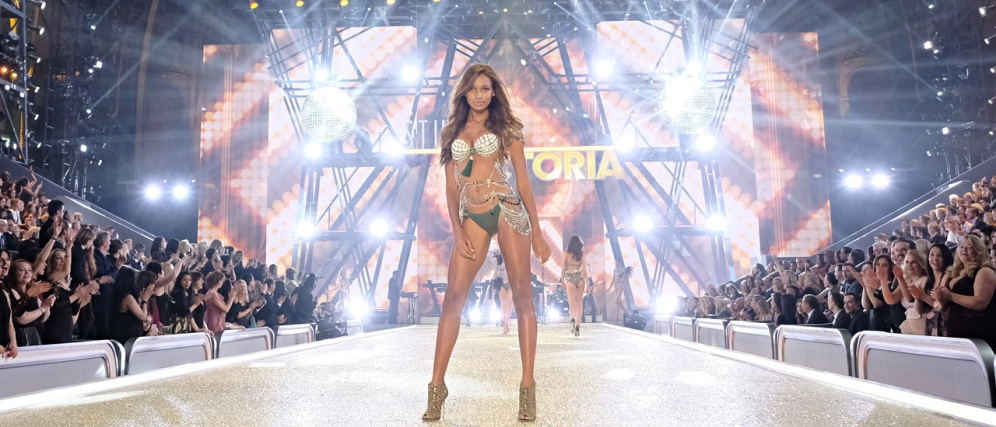 Victoria's Secret Paris Fashion Runway 4Chion Lifestyle