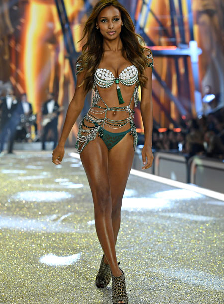 3 Million Dollar Bra Victoria's Secret Paris Runway Fashion 4Chion Lifestyle