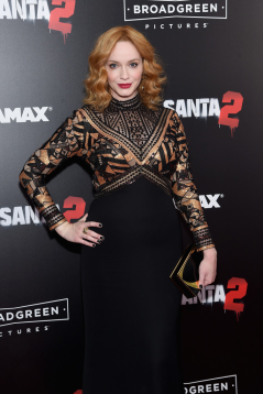 christina-hendricks-bad-santa-2-nyc-4chion-lifestyle-4