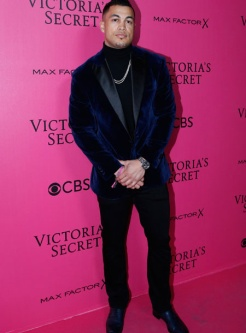 giancarlos-stanton-victorias-secret-red-carpet-4chion-lifestyle
