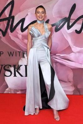 Gigi Hadid Bristish Fashion Awards 4Chion Lifestyle