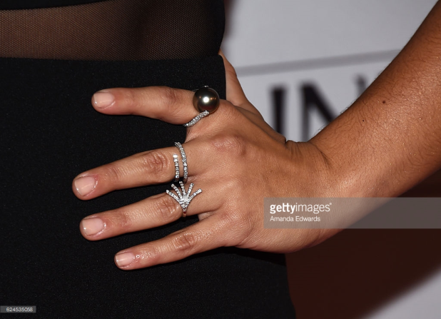 gina-rodriguez-marie-claire-honors-4chion-lifestyle-2