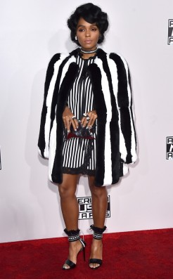 janelle-monae-amas-red-carpet-4chion-lifestyle