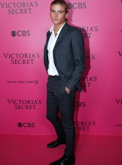 jordan-barrett-victorias-secret-red-carpet-4chion-lifestyle