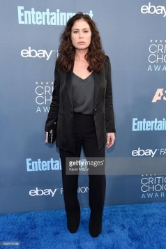 maura-tierny-critics-choice-awards-4chion-lifesstyle-2