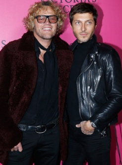 peter-dundas-evangelo-bousis-victorias-secret-red-carpet-4chion-lifestyle