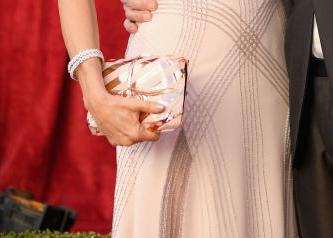 Felicity Huffman clutch SAG Awards red carpet 4Chion Lifestyle