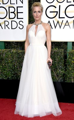 gillian-anderson-golden-globes-award-4chion-lifestyle