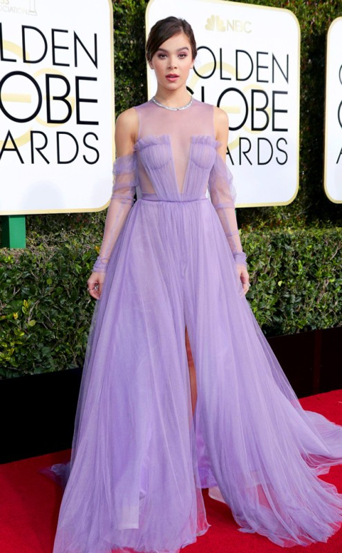 hailee-steinfeld-vera-wang-golden-globes-award-4chion-lifestyle