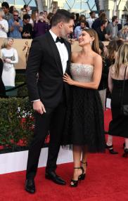 joe-manganiello-and-sofia_vergaral-sag-awards-red-carpet-4chion-lifestyle