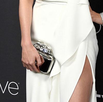 Miranda Kerr Clutch Red Carpet Golden Globes