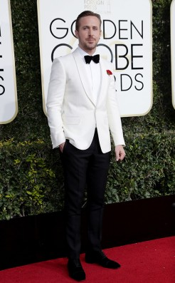 ryan-gosling-gucci-golden-globes-award-4chion-lifestyle