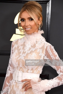 giuliana-rancic-wore-ldezen-by-payal-shah-grammys-4chion-lifestyle-c