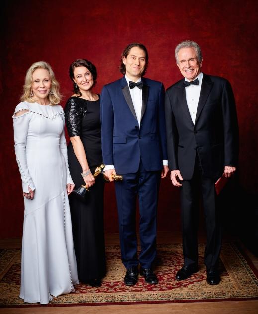 Adele Romanski and Jeremy Kleiner accept the Oscar® f