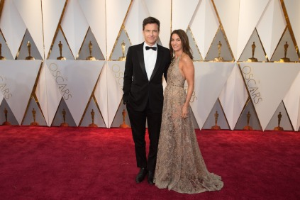 Jason Bateman, presenter, and Amanda Anka arrive on the red carpet of The 89th Oscars® at the Dolby® Theatre in Hollywood, CA on Sunday, February 26, 2017.