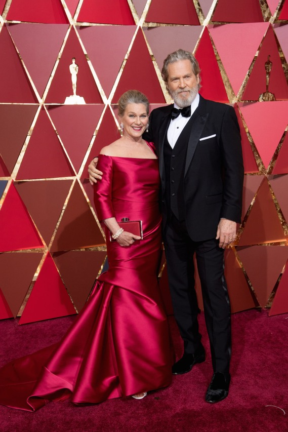 Jeff Bridges, Oscar® nominee, and guest arrive on the red carpet of The 89th Oscars® at the Dolby® Theatre in Hollywood, CA on Sunday, February 26, 2017.