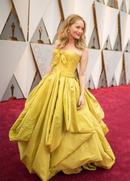 leslie-mann-red-carpet-oscars-4chion-lifestyle-copy